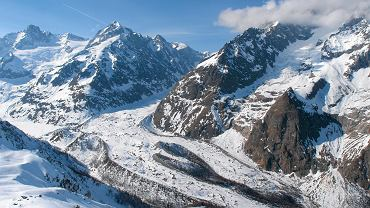 Włochy, miejscowość Courmayeur w regionie Doliny Aosty u stóp masywu Mont Blanc