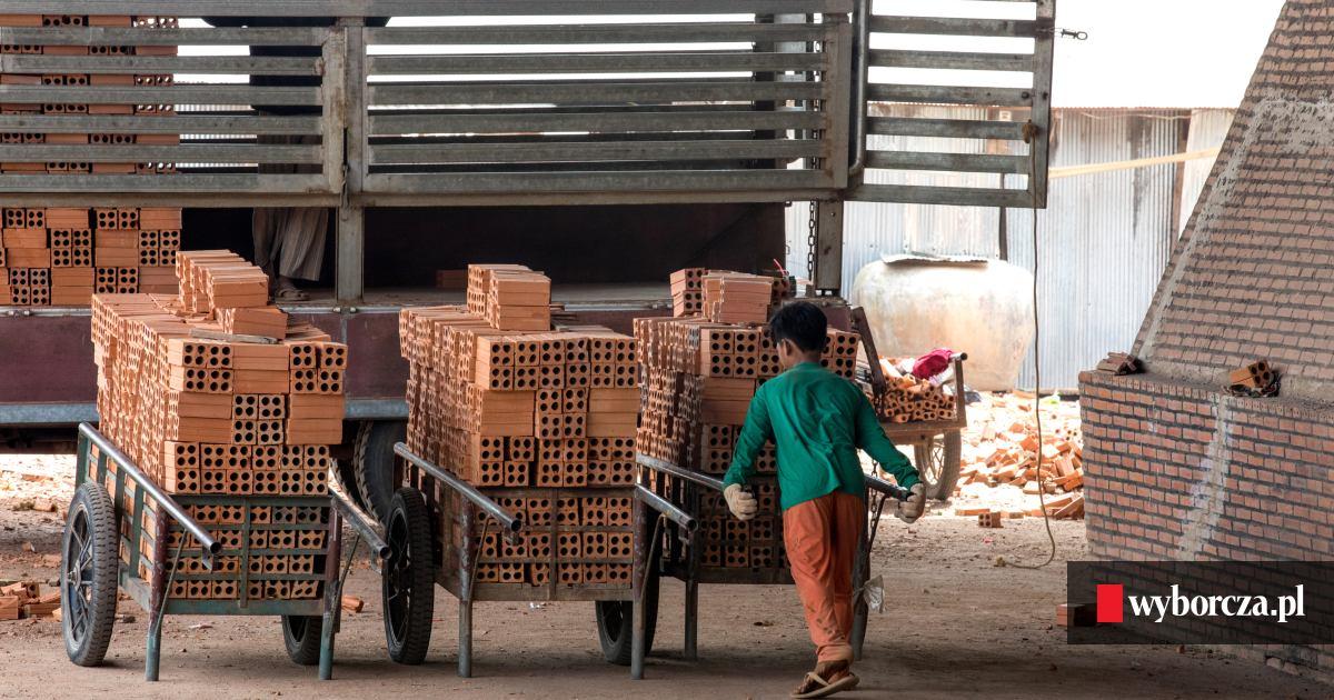 Znalezione obrazy dla zapytania aferyka dzieci pracujące
