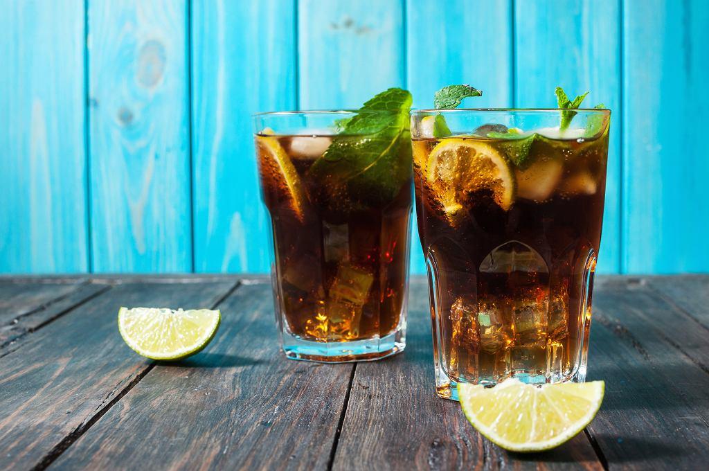 Przedstawiamy przepisy na drinki z rumem ciemnym i jasnym - w sam raz na karnawał