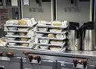 Dlaczego jedzenie w samolocie nam nie smakuje? Jest proste wyjaśnienie