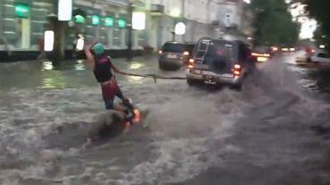 Jak Rosjanie radzą sobie z powodzią?