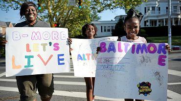 Mieszkańcy Baltimore podczas 72-godzinnego zawieszenia broni w sierpniu br.