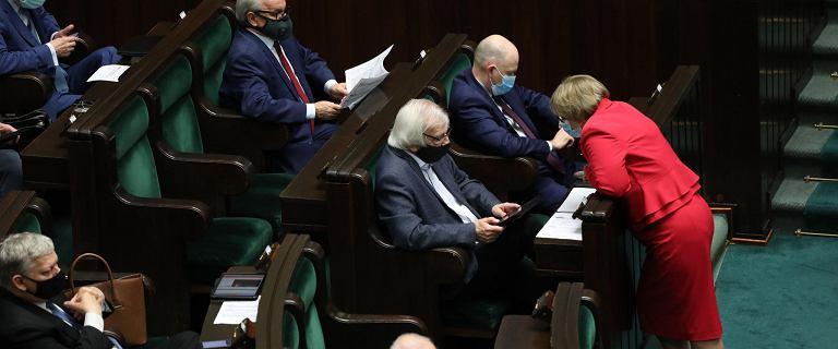 Morawiecki zagiął Morawieckiego. Polski Ład uderza w reformę OFE