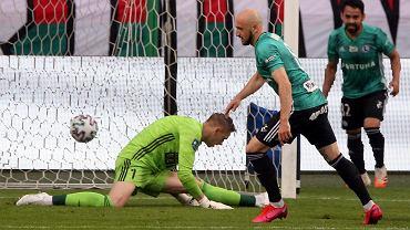 Śląsk Wrocław w grupie mistrzowskiej nie wygrał żadnego meczu z drużynami ze ścisłej czołówki. Na zdjęciu przegrany 0:2 pojedynek Śląska z Legią.
