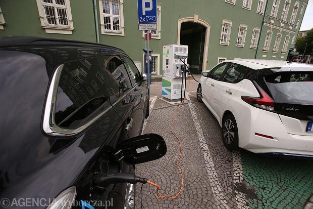 Nadchodzą wielkie podwyżki cen prądu. To oznacza, że podrożeje też jazda samochodem elektrycznym