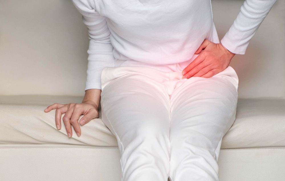 Ból jajników niekoniecznie musi być objawem procesu chorobowego. Wiele pań odczuwa pewne dolegliwości związane z jajnikami podczas cyklu miesiączkowego.