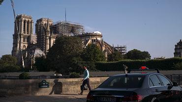 Zawieszono prace nad odbudową katedry Notre Dame. Powodem skażenie ołowiem, które kilkaset razy przekracza istniejące normy. Paryż, 24 lipca 2019