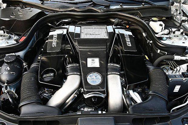 CK63 RSR osiąga moc 700 KM i maksymalny moment obrotowy 1000 Nm