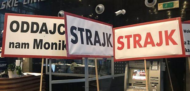 Strajk w siedzibie LOT-u