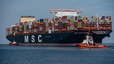 MSC Gülsün, największy kontenerowiec świata, wpłynął do Gdańska.