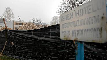 Wyburzanie dawnego hotelu Aria przy ul. Kresowej w Sosnowcu