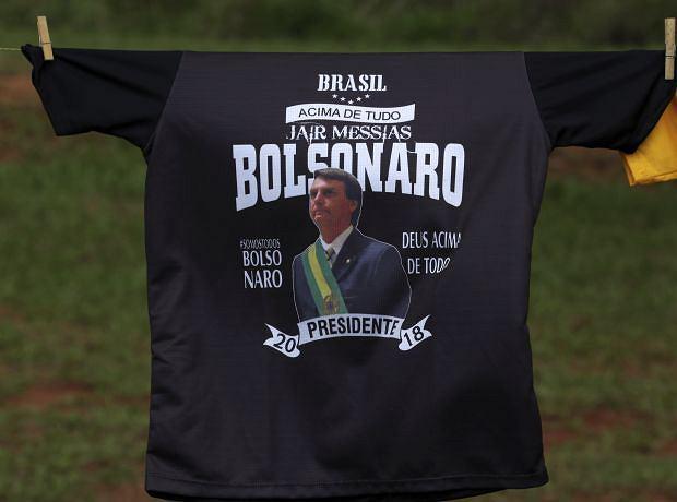 Przedwyborcze sondaże pokazują, że nowym prezydentem Brazylii może zostać były wojskowy Jaime Bolsonaro
