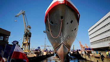 Wodowanie i chrzest okrętu ORP Ślązak w Stoczni Marynarki Wojennej w Gdyni, 2 lipca 2015