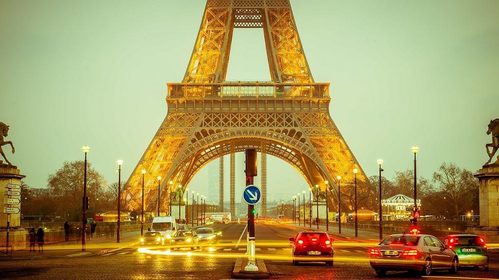 Urlop w Paryżu - propozycje na zimę i lato
