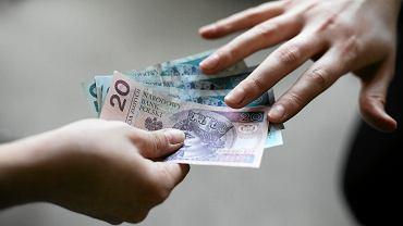 Bezwarunkowy Dochód Podstawowy. 12 tysięcy dla każdego budzi kontrowersje
