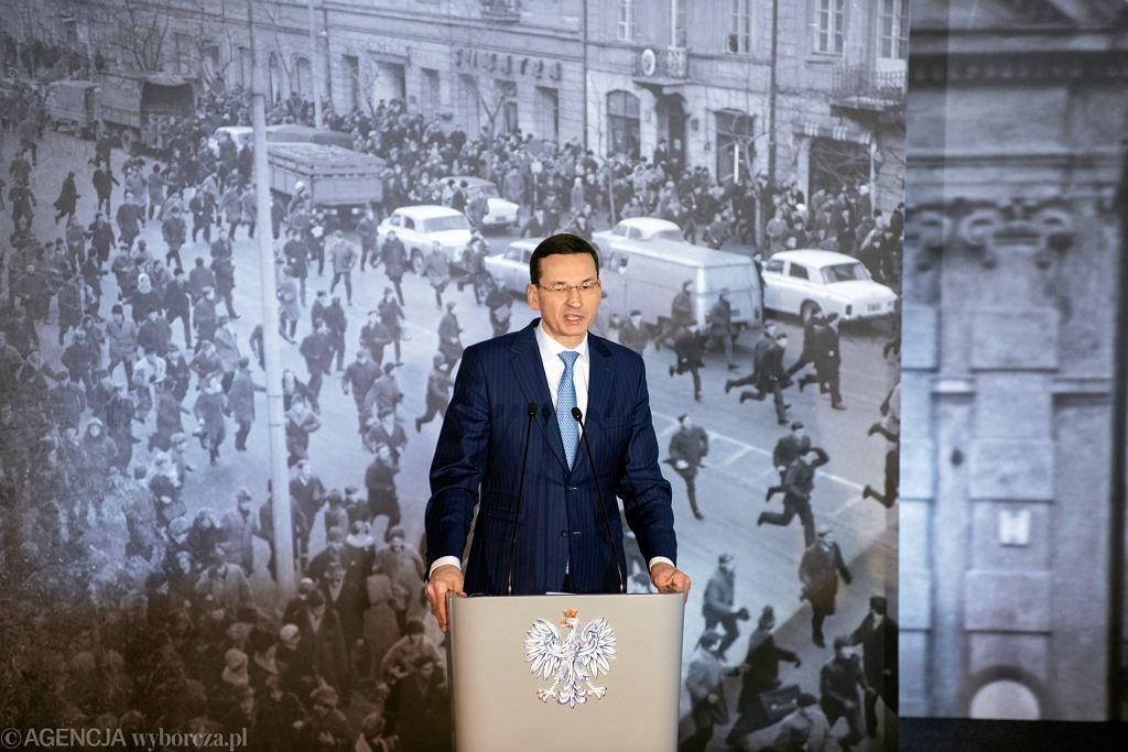 Premier w trakcie Debaty 'Marzec'68. Ogólnopolski Ruch Społeczny Przeciw Komunizmowi w Warszawie'