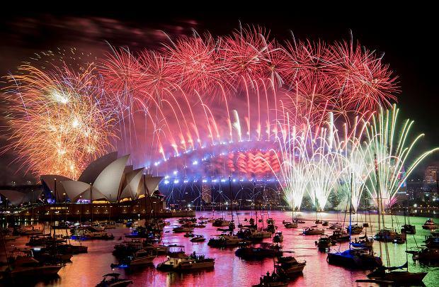 Pokaz fajerwerków podczas świętowania Nowego Roku w Sidney