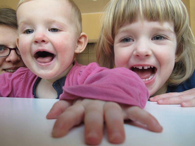 Kruszka z córkami: Emilką i Julią.