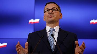 Premier rządu PiS Mateusz Morawiecki podczas konferencji prasowej w KPRM. Warszawa, 20 sierpnia 2020