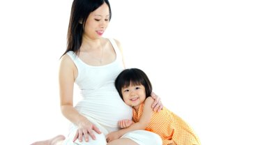 Japonka w ciąży i z dzieckiem