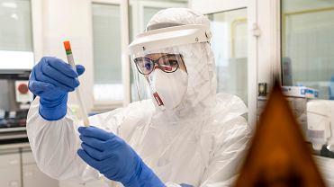 Laboratorium sanepidu w Olsztynie, gdzie wykonywane są testy na obecność koronawirusa
