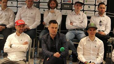 Falubaz Zielona Góra, konferencja prasowa w przed startem sezonu 2019. W środku Adam Goliński, prezes ZKŻ SSA
