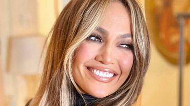 Jennifer Lopez podzieliła fanów stylizacją na jesień. Jej fryzura może jednak okazać się hitem (zdjęcie iluctracyjne)
