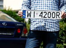 Rejestracja pojazdu w Polsce. Senat przegłosował nowe przepisy. Aż 1000 zł kary za spóźnienie