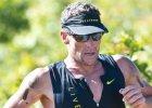 """Lance Armstrong wygrał bieg przełajowy w Kalifornii. """"Niszczyciel marzeń. Powstrzymajmy go!"""""""