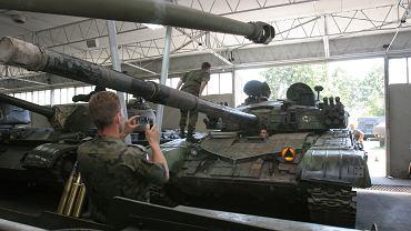 Czołg T-72 w Muzeum Broni Pancernej Centrum Szkolenia Wojsk Lądowych w Poznaniu