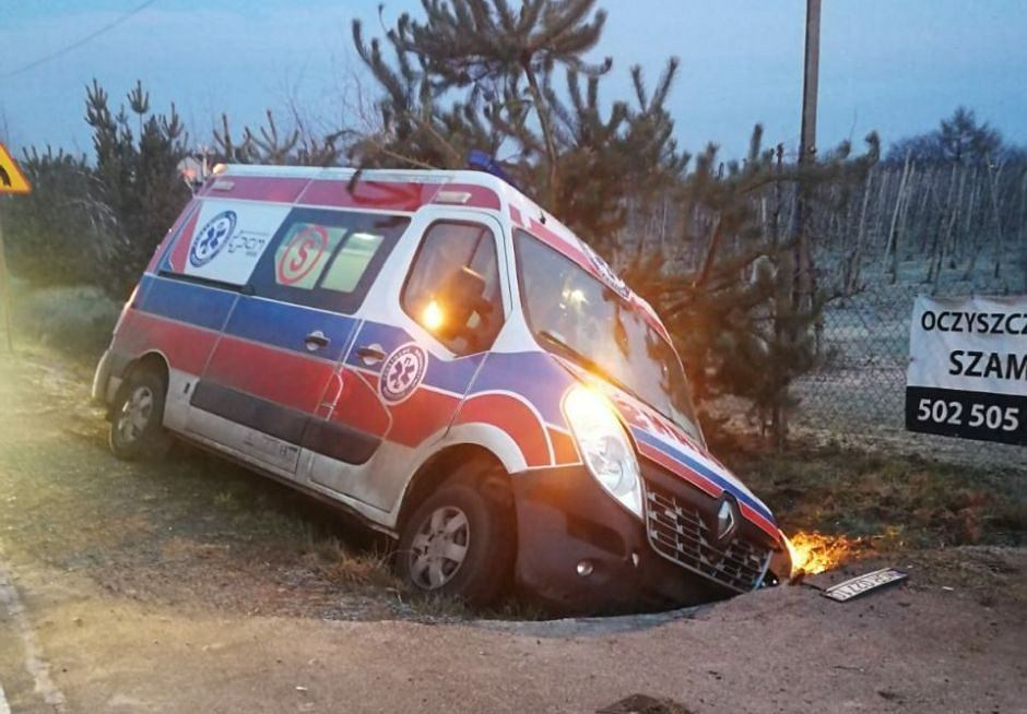 Pijany 31-latek ukradł karetkę pogotowia sprzed szpitala w Grójcu