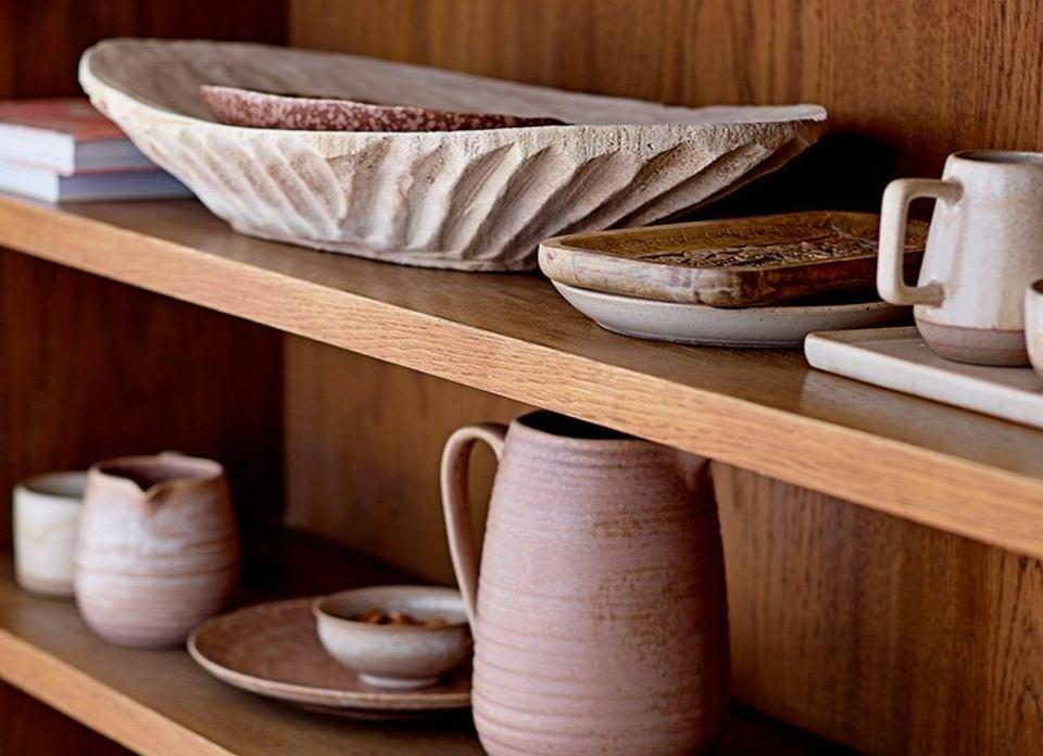 Pojemniki i naczynia ceramiczne.