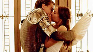 Młody Leonardo DiCaprio i urocza Claire Danes w filmie Romeo i Julia