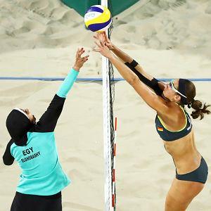 Mecz siatkarek plażowych z Egiptu i Niemiec