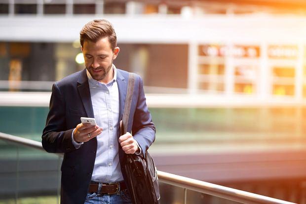 Cenisz swój czas? Bądź smart - poznaj innowacyjne sposoby na rozliczanie się ze znajomymi!