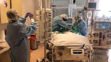 OIOM w szpitalu przy ul. Arkońskiej w Szczecinie, który przyjmuje zakażonych koronawirusem