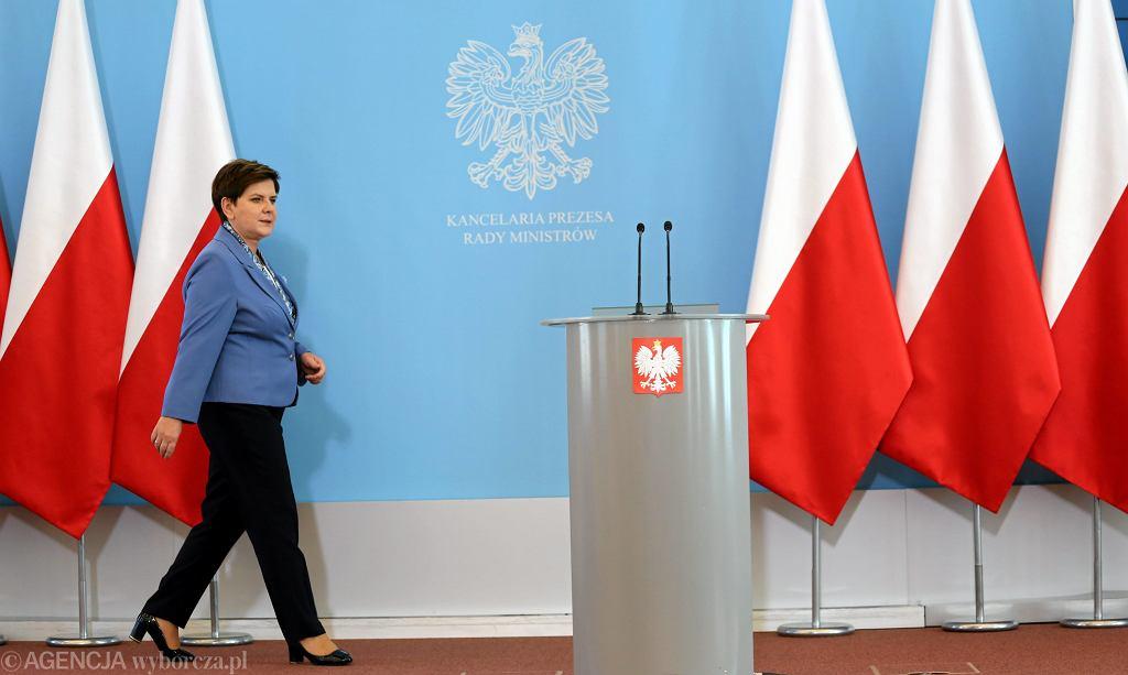 Premier Beata Szydło odwołała ministra Dawida Jackiewicza