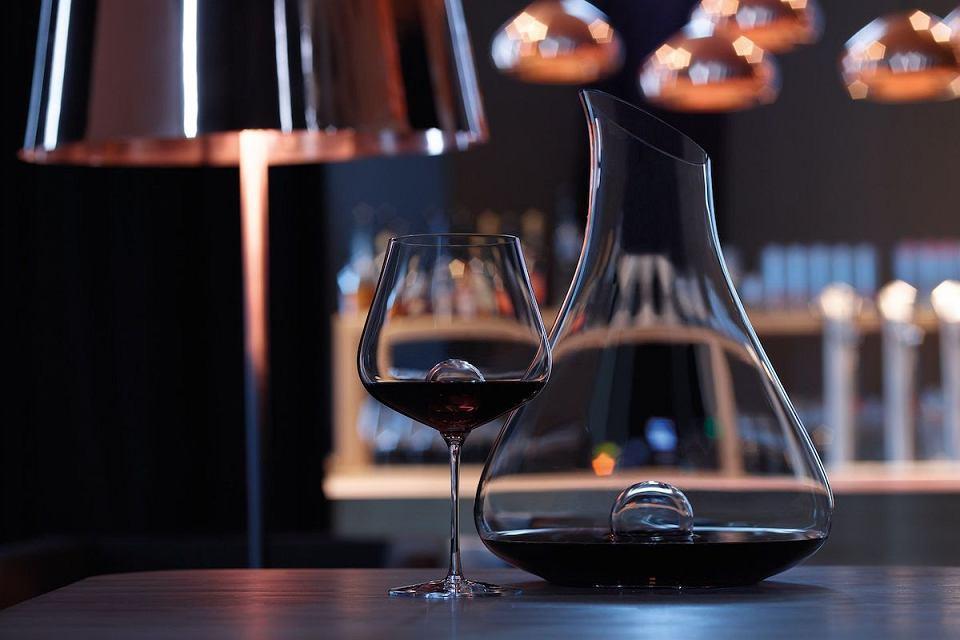 Kieliszek do wina czerwonego Zwiesel Air Sense o pojemności 631 ml.
