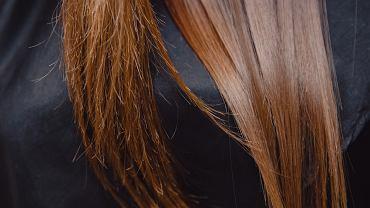 nawilżanie suchych włosów