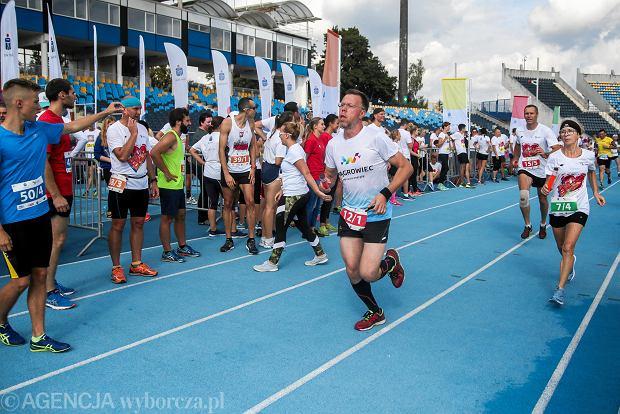 Zdjęcie numer 31 w galerii - PKO Bieg Charytatywny. Na Zawiszy pomagali biegając [ZDJĘCIA]