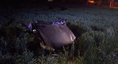 Część samochodu po wypadku drogowym w Pasłęku (14.06.2020). Źródło: Policja Elbląg