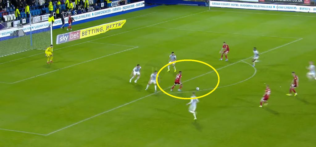Interwencja Kamila Grabary w meczu Huddersfield - Fulham