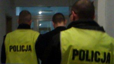Pijany mężczyzna zasnął nago w balkonie Teatru Zdrojowego w Polanicy-Zdroju