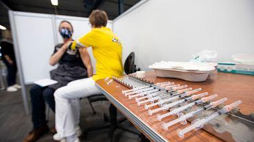 Łączenie różnych szczepionek daje lepszą ochronę również w przypadku wariantu Delta