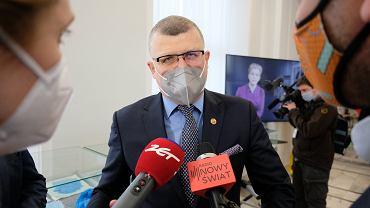 Dr Grzesiowski: trzecia dawka szczepionki przeciw COVID-19 dla grup ryzyka jest rozwiązaniem racjonalnym