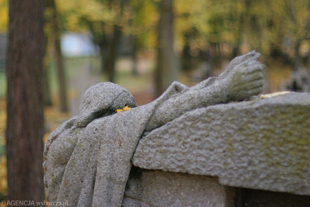 Zabytkowy cmentarz św. Józefa w Olsztynie