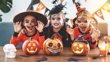 Makijaż na Halloween dla dzieci to obowiązkowy element tego święta. Zdjęcie ilustracyjne