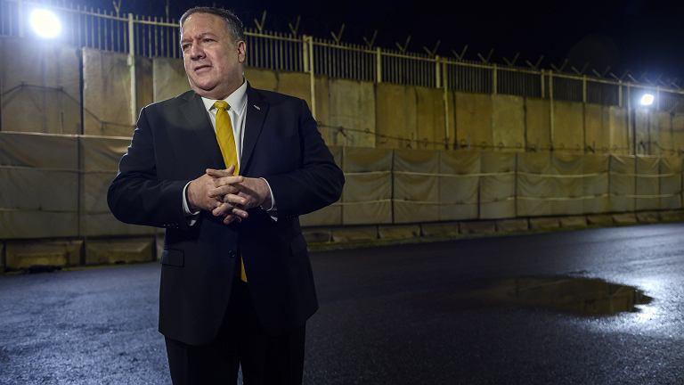 Sekretarz stanu USA Mike Pompeo podczas konferencji na terenie ambasady USA w Iraku. Bagdad, 9 stycznia 2019