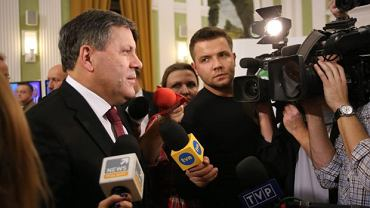 Szef PSL Janusz Piechociński na wieczorze wyborczym w Warszawie