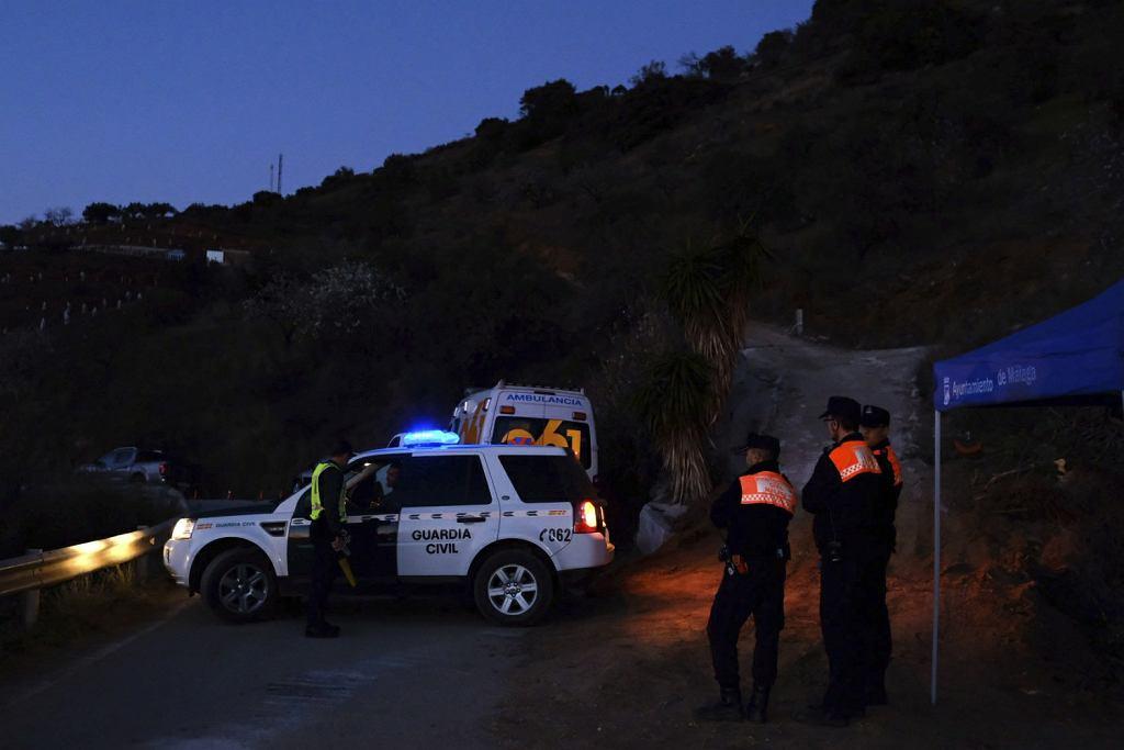 2,5-latek wpadł do odwiertu górniczego w hiszpańskiej Maladze. Jest poszukiwany od pięciu dni